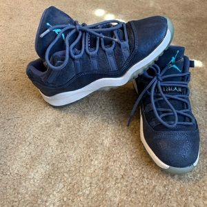 Air Jordan 11 XI Retro Low Blue Moon